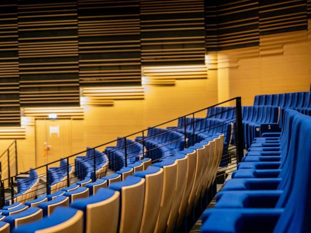 Sièges de l'auditorium du Centre De Congres