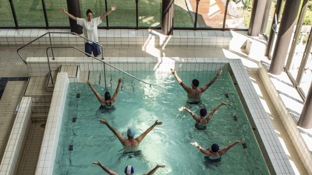 cours-daquagym-piscine-thermale-allevard-crdit-photo-gilles-trillard.jpg