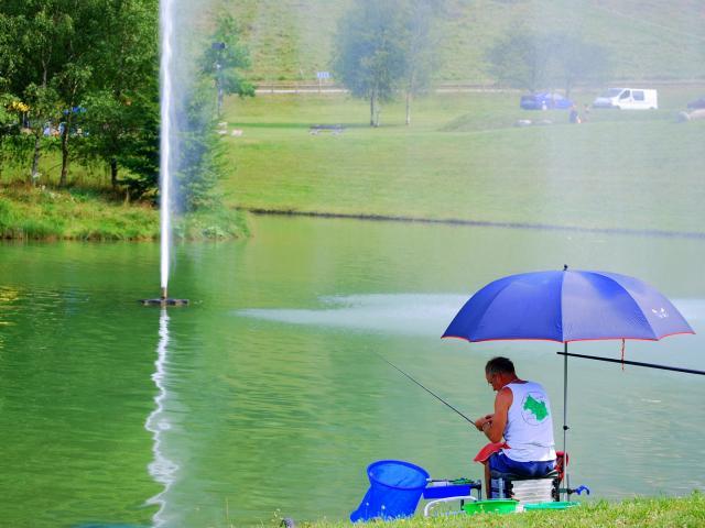 Pêche lac de la Mirande Allevard Les Bains