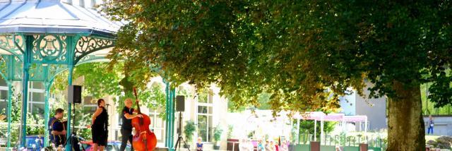 pot-accueil-curistes-2014-2-mairie-dallevard-les-bains.jpg