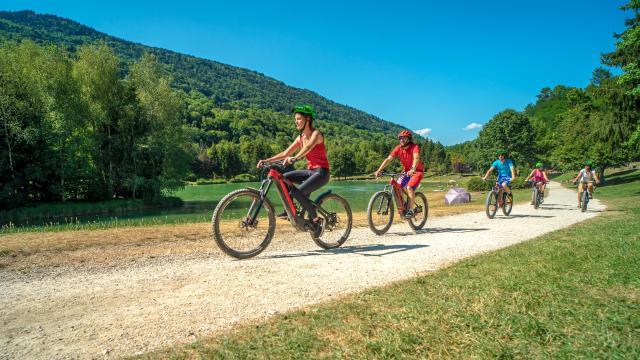 Balade en vélo électrique au bord du Lac de la Mirande