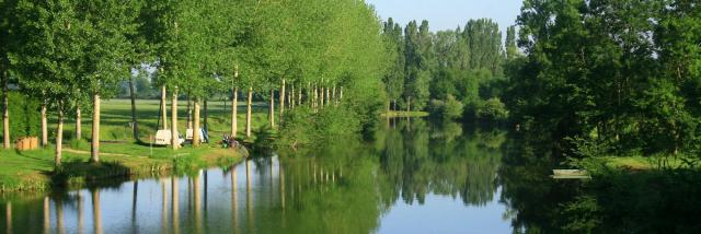 La rivière Sarthe à Juillé