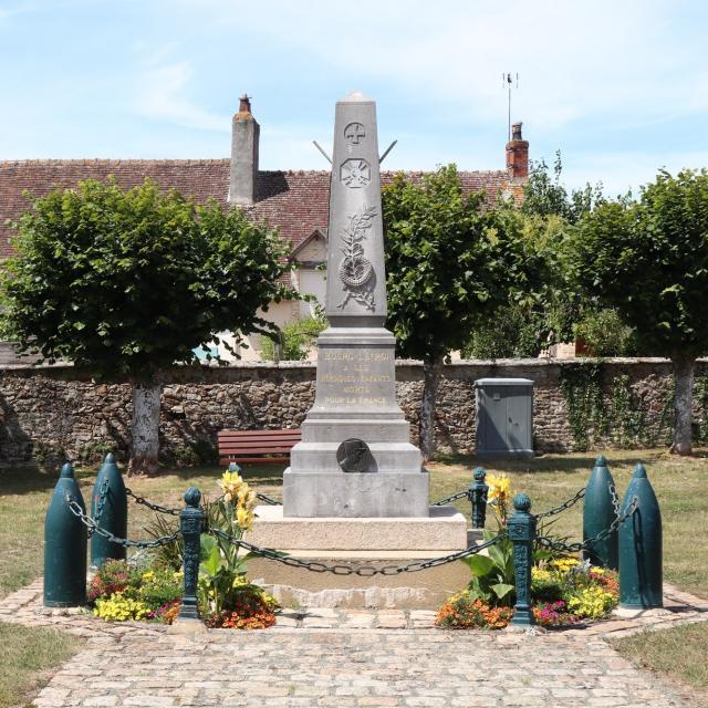 Monument aux Morts de Bourg-le-Roi