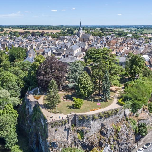 Le parc du château à Fresnay-sur-Sarthe