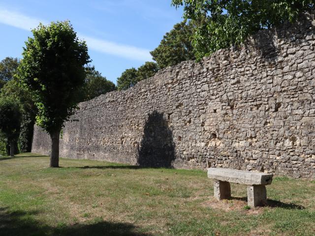 Remparts de Bourg-le-Roi