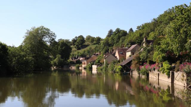 La Rue du Bourgneuf en bord de Sarthe