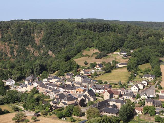 Le village de Saint-Léonard-des-Bois