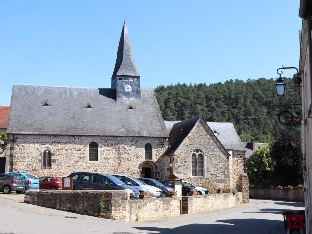 L'Église Saint-Léonard à Saint-Léonard-des-Bois