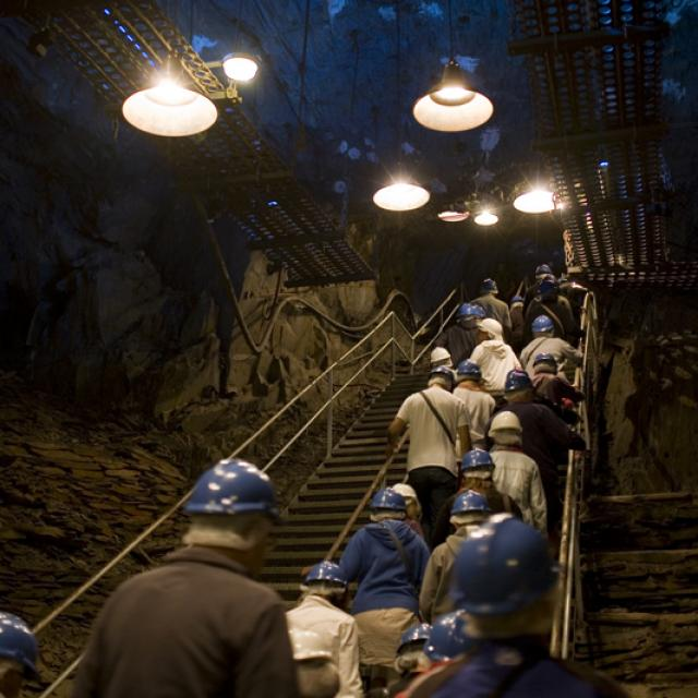 visite-126-mtres-sous-terre-3--la-mine-bleue-matthieu-serreau-light.jpg