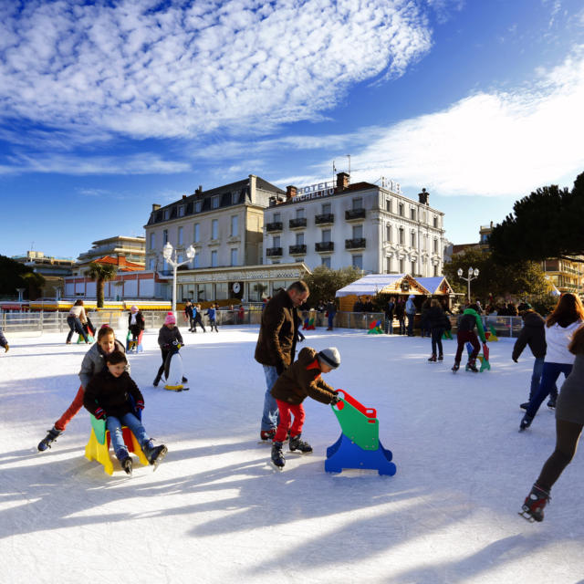 Patinoire - Village de Noël