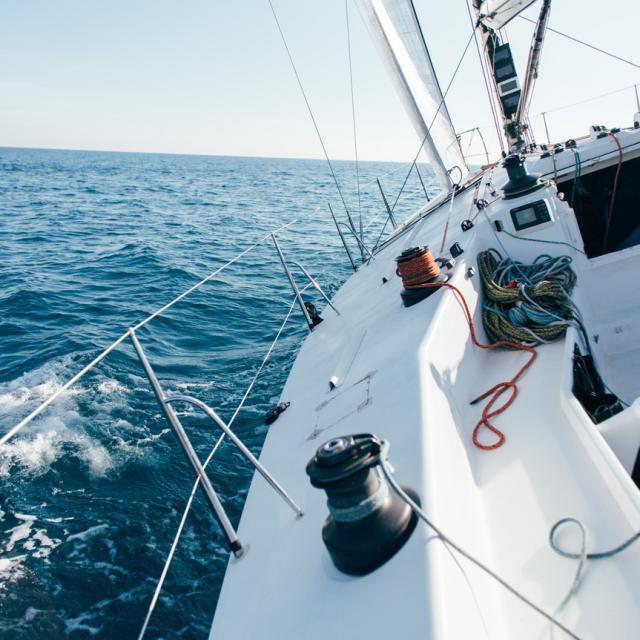 Course en bateau - Freepik