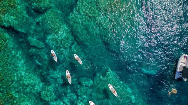 . Photography by Stephane Ferrer Yulianti..Photographie de Stephane Ferrer Yulianti.