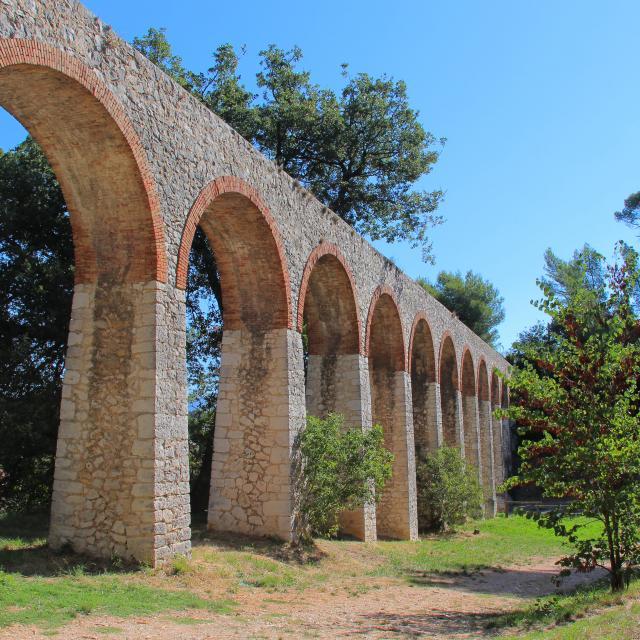 Aqueduc Sentier La Penne Sur Huveaune Oti Aubagne