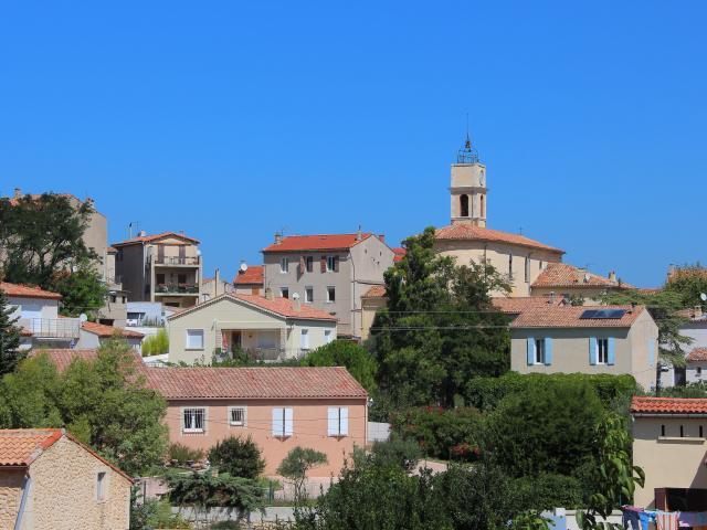 Panorama Village Eglise Cadolive Oti Aubagne