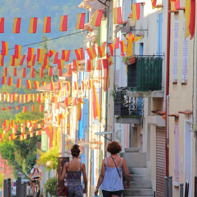 Rue Village Cuges Les Pins Oti Aubagne