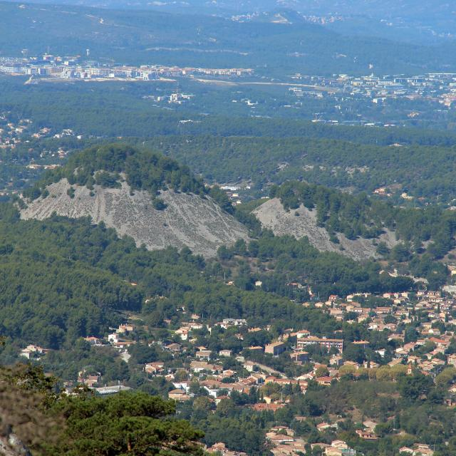 Village Terril Saint Savournin Oti Aubagne