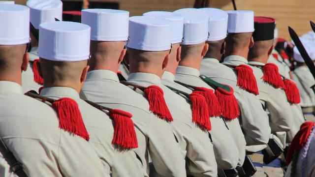 defile-legion-etrangere-camerone-oti-aubagne-scaled.jpg