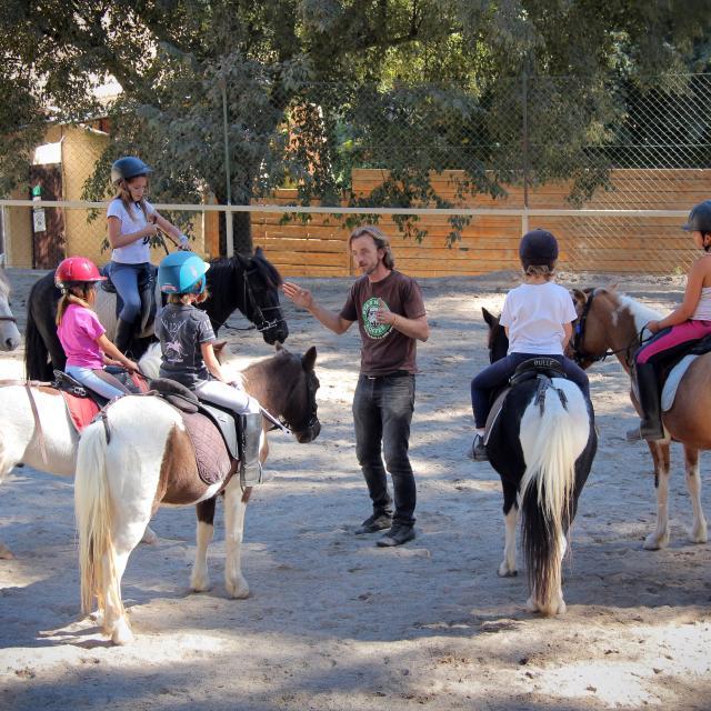 Equitation Initiation La Provence A Cheval Oti Aubagne