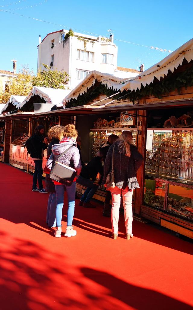 Allées du marché au santon et à la céramique d'hiver - OTI Aubagne