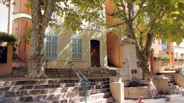 Fontaine Rue De Guin Centre Historique Aubagne Oti Aubagne