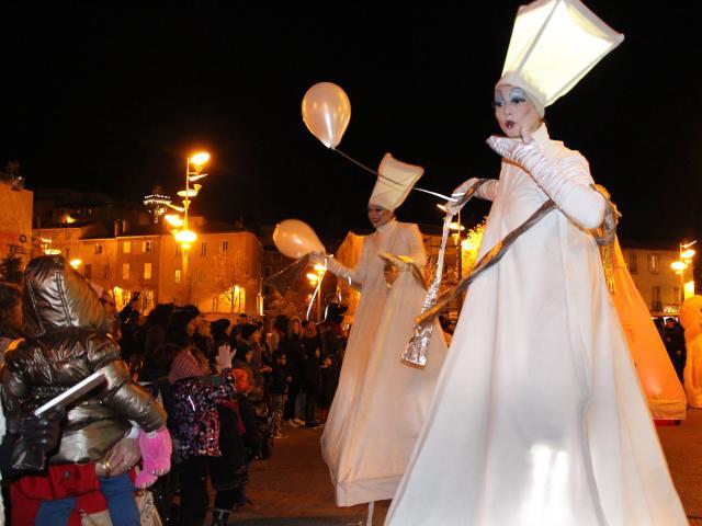Spectacteurs Grande Parade Noël Aubagne Oti Aubagne