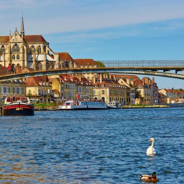 Auxerre Au Fil De L'eau © Canva