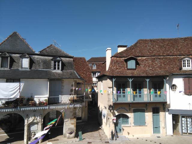 Les toits et les ruelles de Salies-de-Béarn