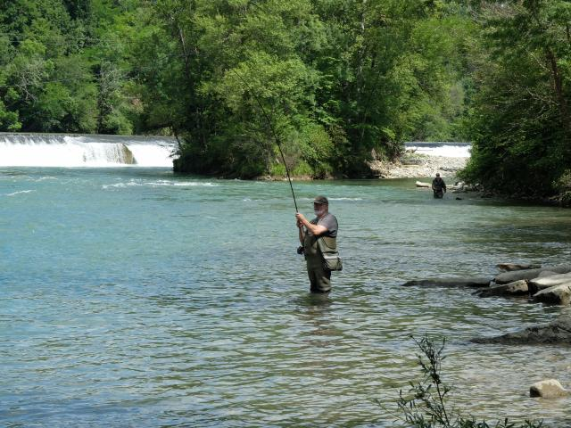 Pêcheur au Pool Masseys à Navarrenx