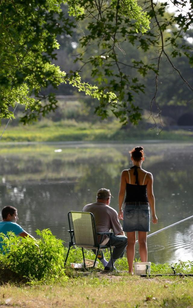 Peche En Famille Lac De La Pounte