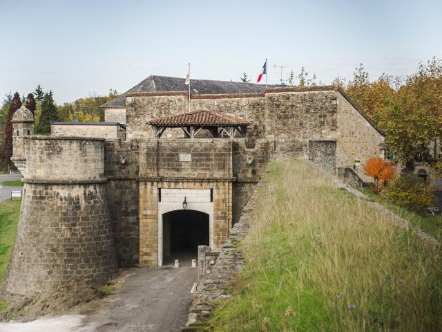 La Porte Saint-Antoine à Navarrenx