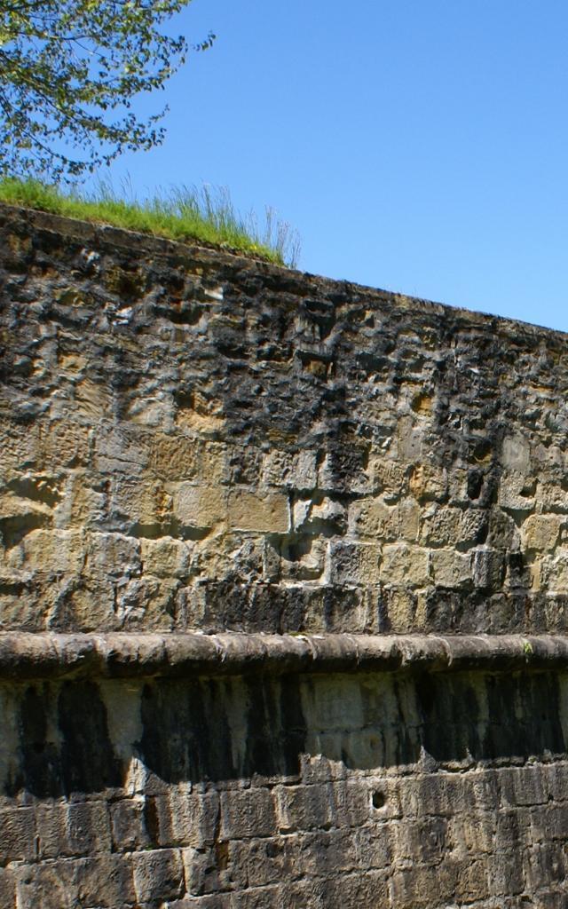 Navarrenx, cité bastionnée en Béarn des Gaves