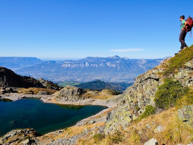 vue plongeante sur Grenoble depuis le lac du Crozet