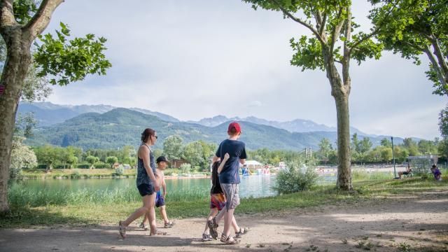 Promenade en famille autour du lac de la Terrasse