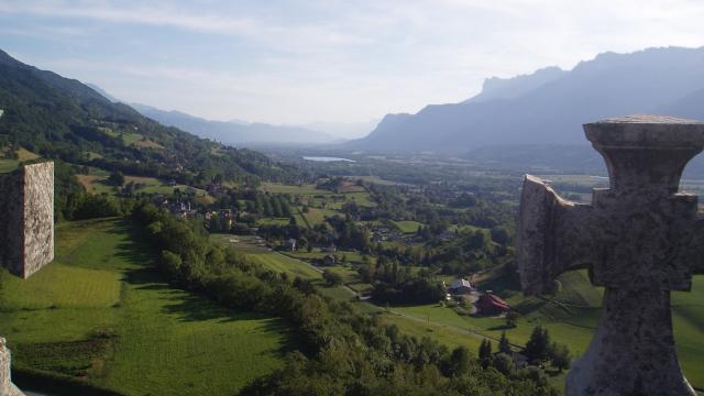 Vue vallée du Gresivaudan depuis la tour d'avalon