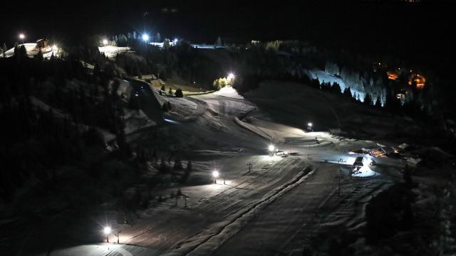 Piste de ski nocturne au Collet sur le Massif de Belledonne