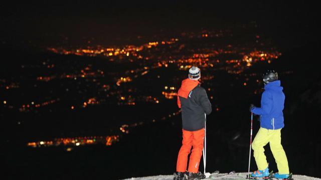 Le ski nocturne à la station du Collet sur le Massif de Belledonne