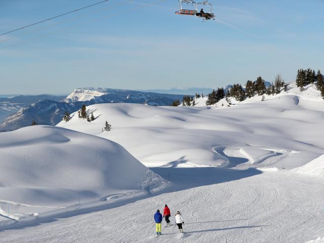 La station de ski du Collet en Isère est pas chère et propose des tarifs étudiants