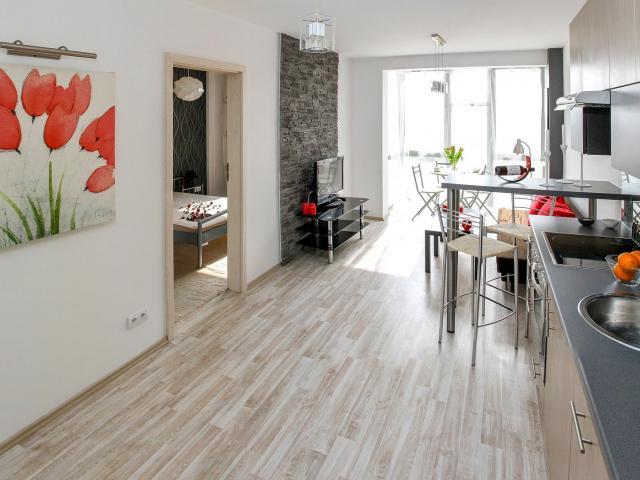 apartment-2094666-1920.jpg