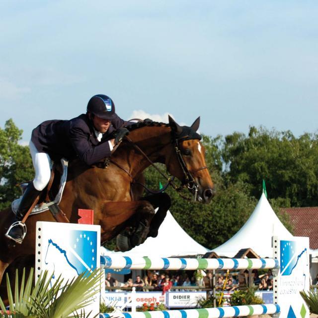 Jumping 3 Credit Martine Robert