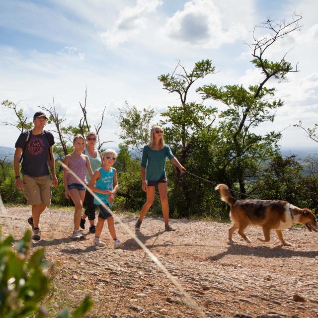 Promenade en famille Mont Myon, Ain.