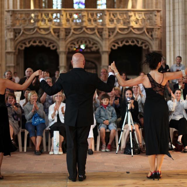Reportage Danse et musique Argentines avec Tango Nuevo, monastère de Brou à Bourg en Bresse, août 2011.