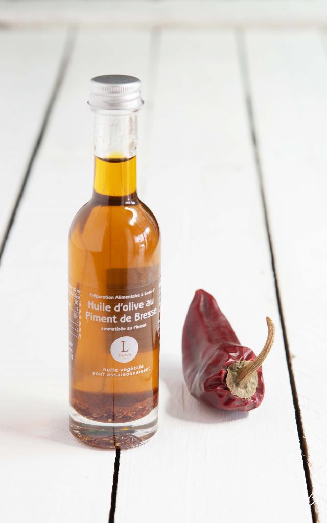 Bouteille d'huile d'olive au piment de Bresse