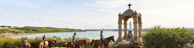 Horse riding, Saint-Suliac