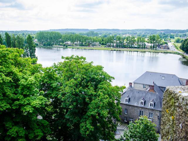 Lac Tranquille depuis les remparts du château de Combourg