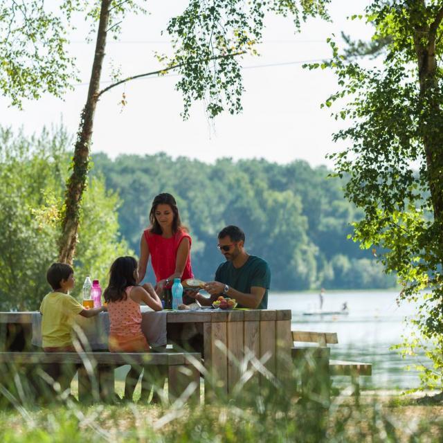 Pique-nique au Lac de Trémelin, Iffendic