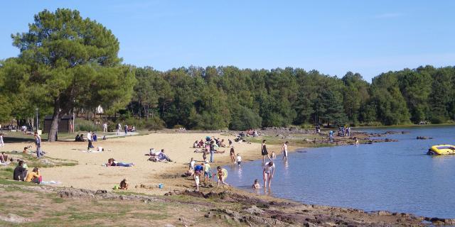 La plage du Lac de Trémelin, Iffendic