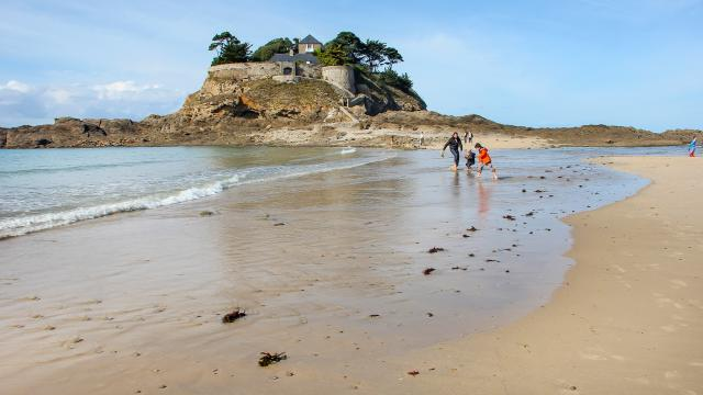 Du Guesclin Beach, Saint-Coulomb