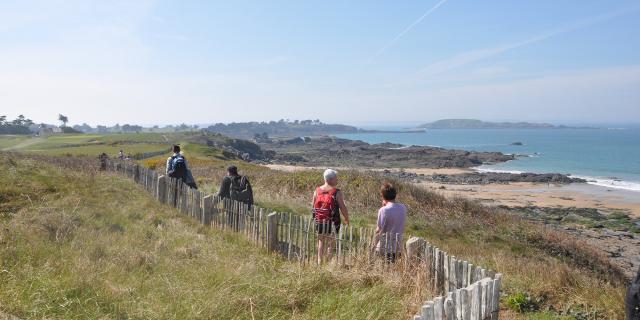Walk along the coastal path, Saint-Briac