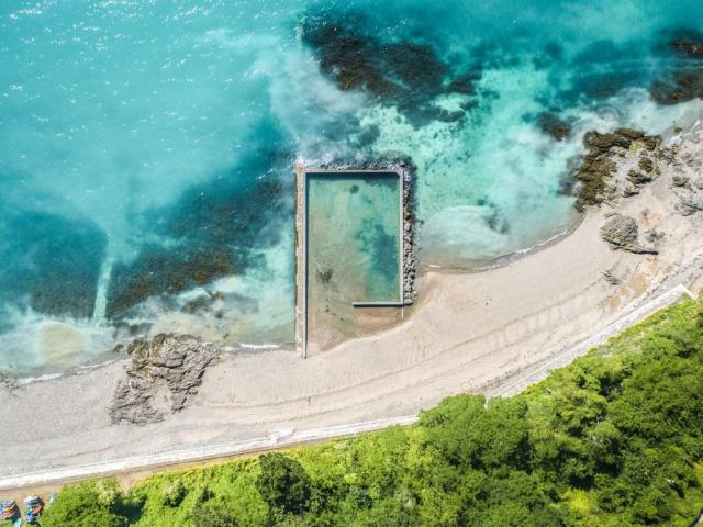 Natural swimming pool, Pointe du Hock, Cancale