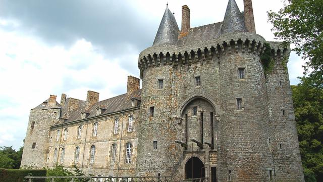 Castle of Montmuran, Les-Iffs